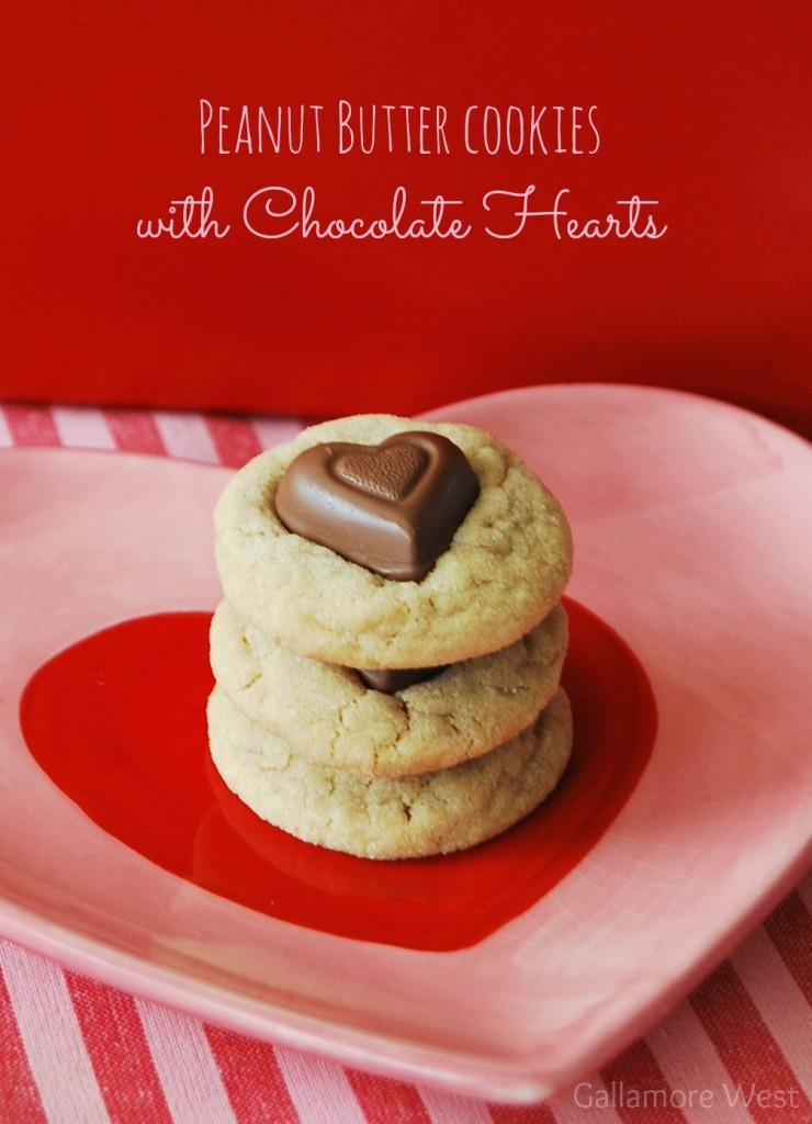 peanut-butter-cookies-with-chocolate-hearts